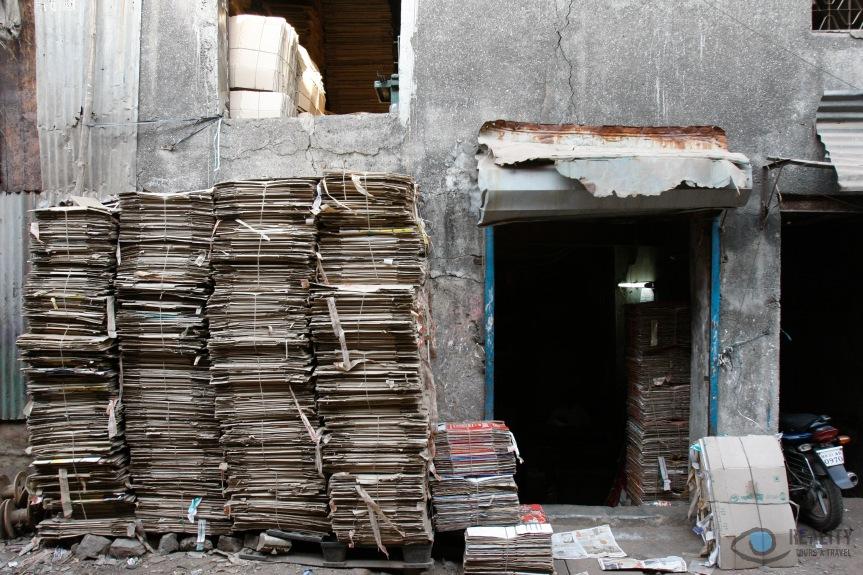 dharavi-cardboard-recycling_15027880962_o